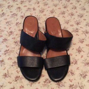 EUC Gentle souls sandals black with block   heel